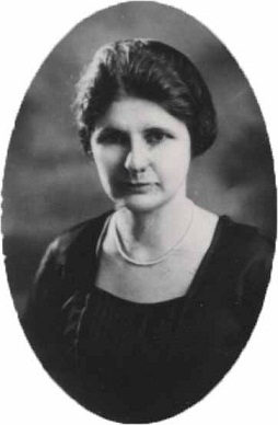 Ione Spears, 1921
